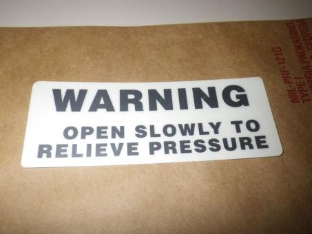 """Aufkleber Kühler """"Warning open slowly"""""""