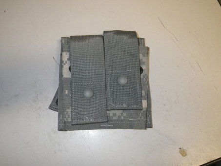 MOLLE II 40 mm Pyrotechnic Pouch double ACU  UCP