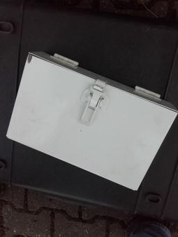 Staukasten für 4 Rauchgranaten US
